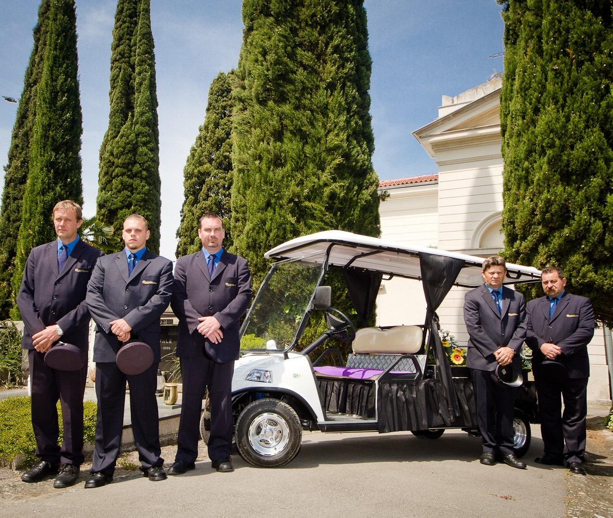 Attiva Hearse - Pogrebno vozilo